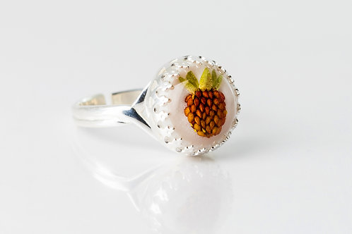 Vintage wild strawberry silver resin ring