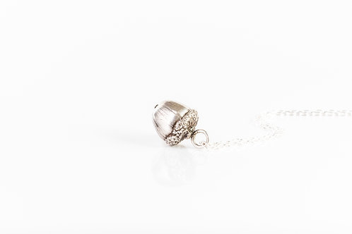 Acorn kiss sterling silver necklace