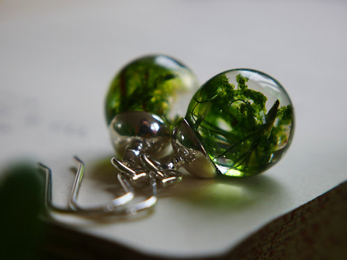 Moss droplet 925 sterling silver resin sphere earrings