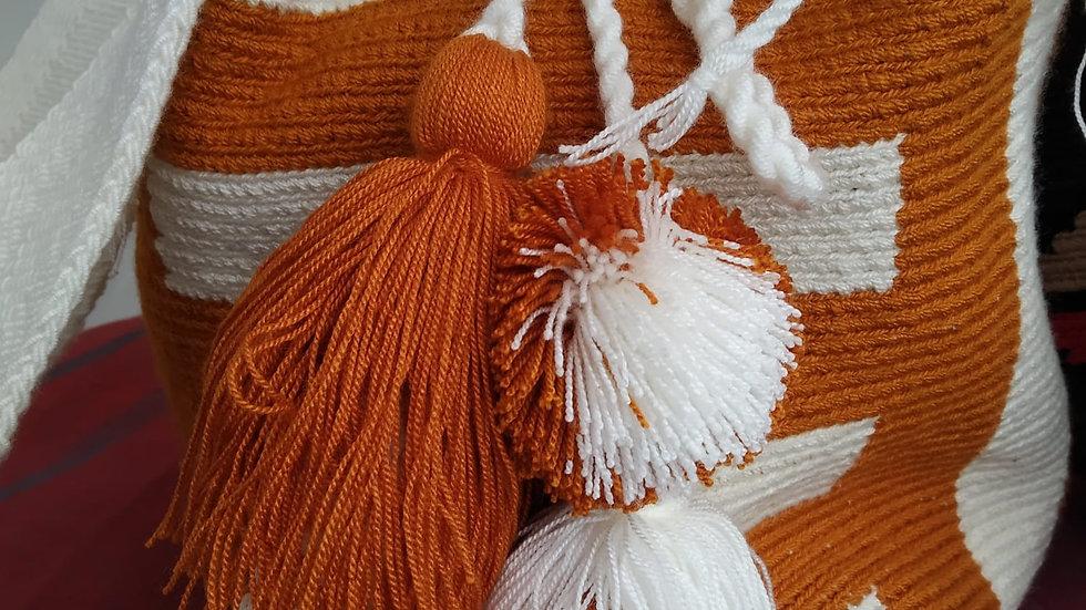 Mochila motif gros pompons Wayuu Colombie
