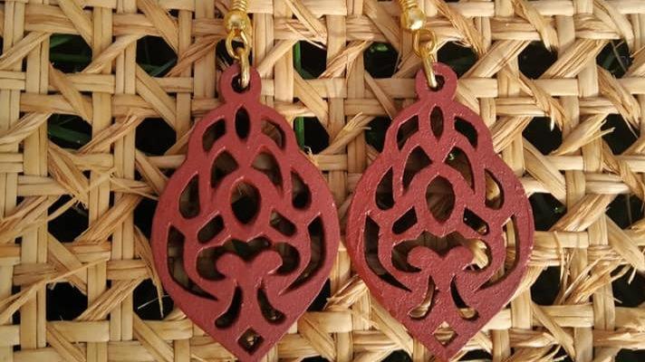 Boucles d'oreilles en bois peint