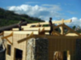 Charpente traditionnelle, bois local, réparation de charpente