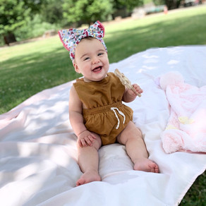 Neutral baby romper