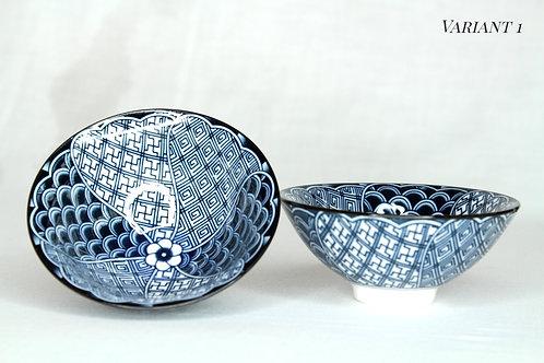 Blauw op witte porseleinen tasjes