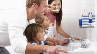 Kaip teisingai prižiūrėti savo burnos ertmę namuose
