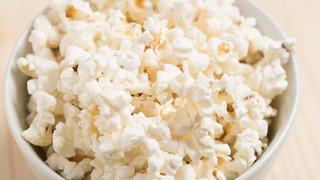 Kenksmingas maistas dantims: tai, ko odontologai nerekomenduoja valgyti