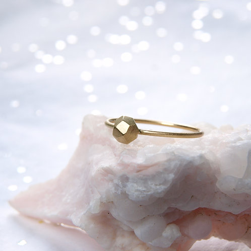 Minimalist golden nugget ring 14k
