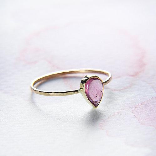 Złoty pierścionek z kroplą barwnego turmalinu 14k