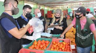 Ceasa: Resíduos de agrotóxicos em hortifrutigranjeiros são analisados em laboratório