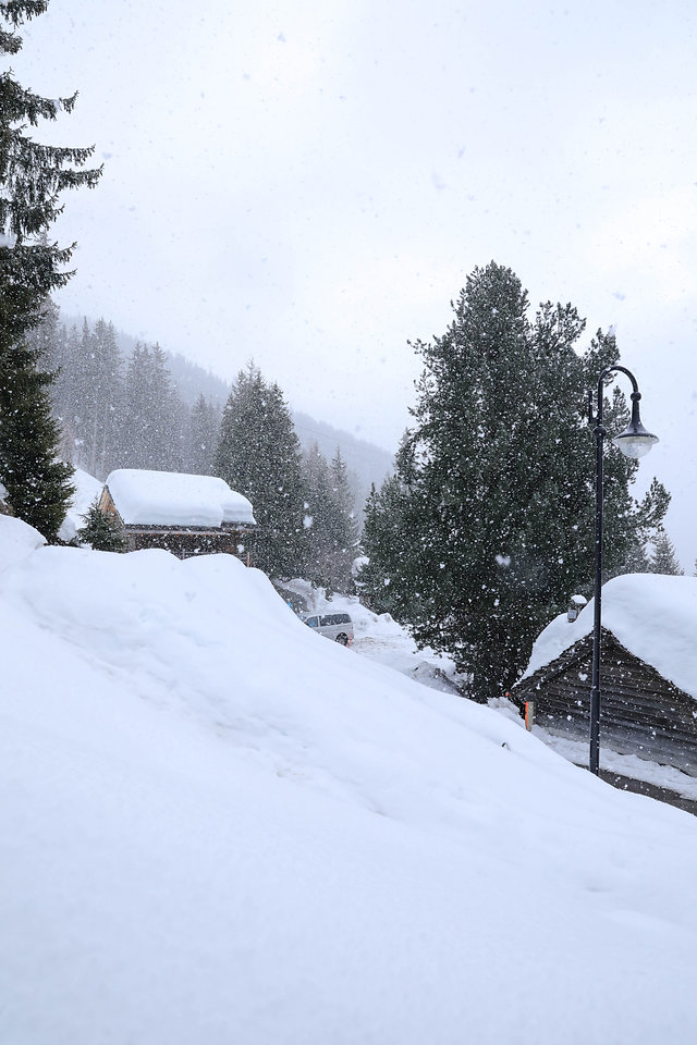 Snow outside Chalet Milou