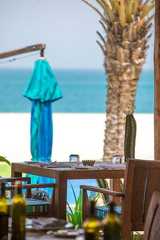 Seaside dining at Anantara Al Yamm