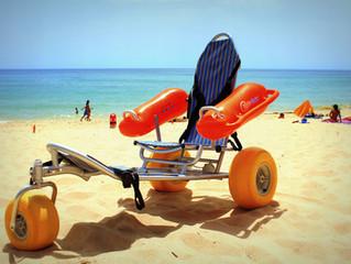 Praia de Faro preparada com Cadeira Anfíbia - Wax Restobar