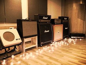 Marshall, Fender, Mesa Boogie, Orange guitar amps