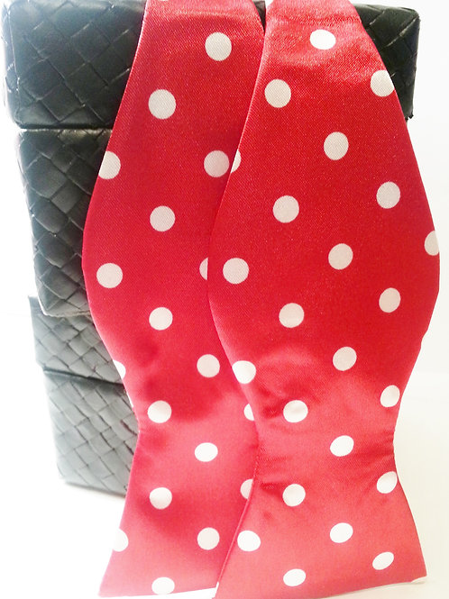 Red/White Large Polka Dot Bow Tie