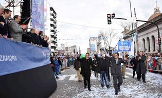 Miles de Lomenses festejaron el Bicentenario