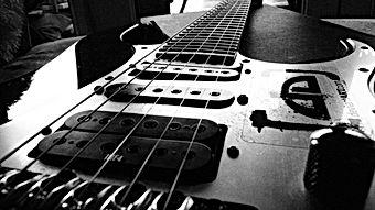 Super-Electric-Guitar-Wallpaper.jpg