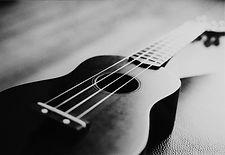 ukulele_by_en_gel.jpg