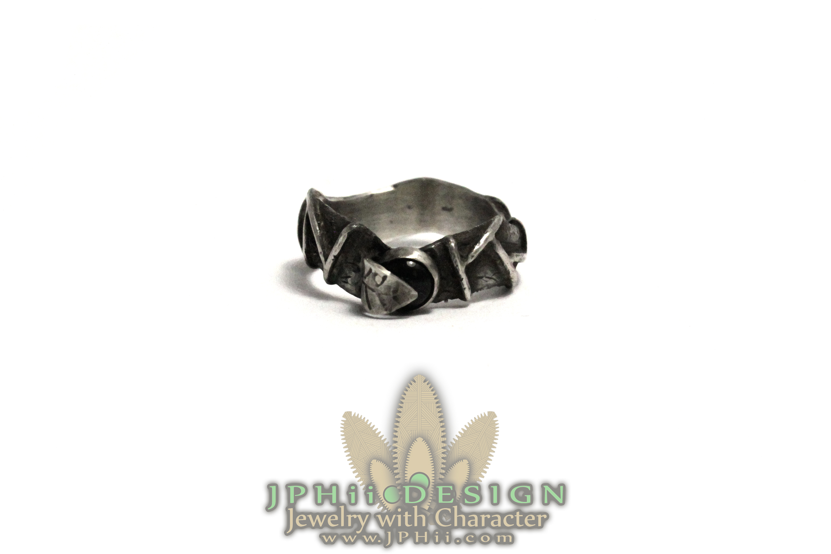 Onyx Vine Ring