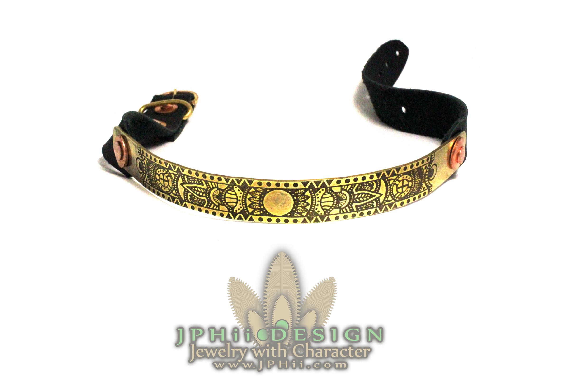 Ancient Leaf Collar