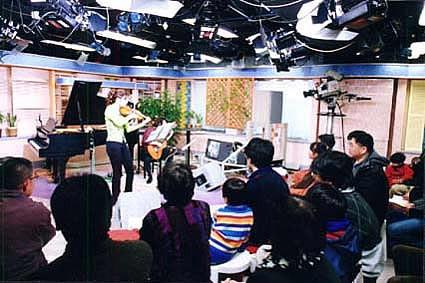 2001/02/12: バイオリンビューティーズ2001ライブ in NHKスタジオパーク