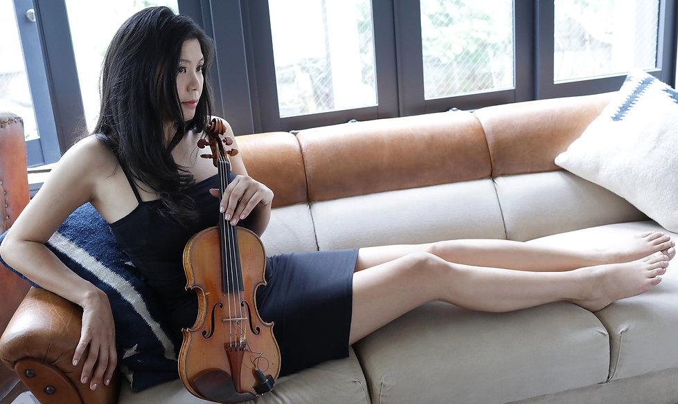 バイオリニスト バイオリン 依田彩