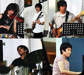 2002/08/25: 浦安ショッパーズプラザ
