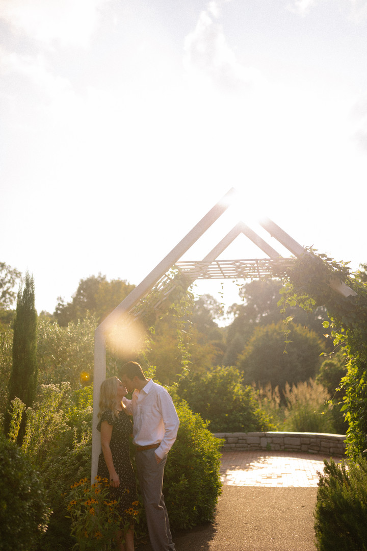 engagement-and-wedding-photographer-serv