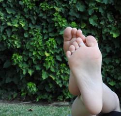 right feet unedited