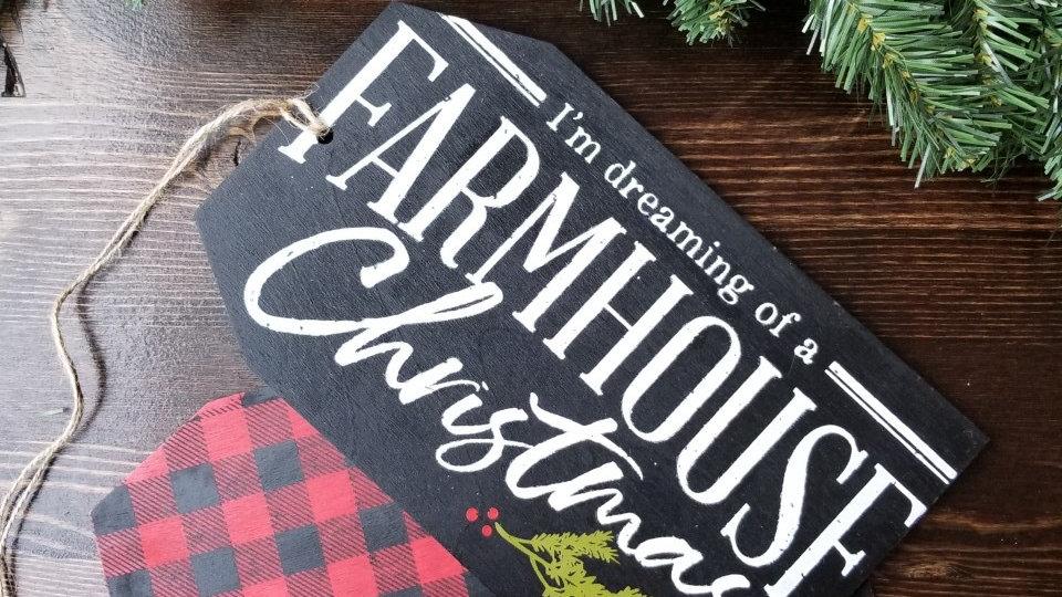 """""""Farmhouse Christmas"""" Door Tag"""