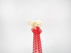 에펠탑위에 비행기