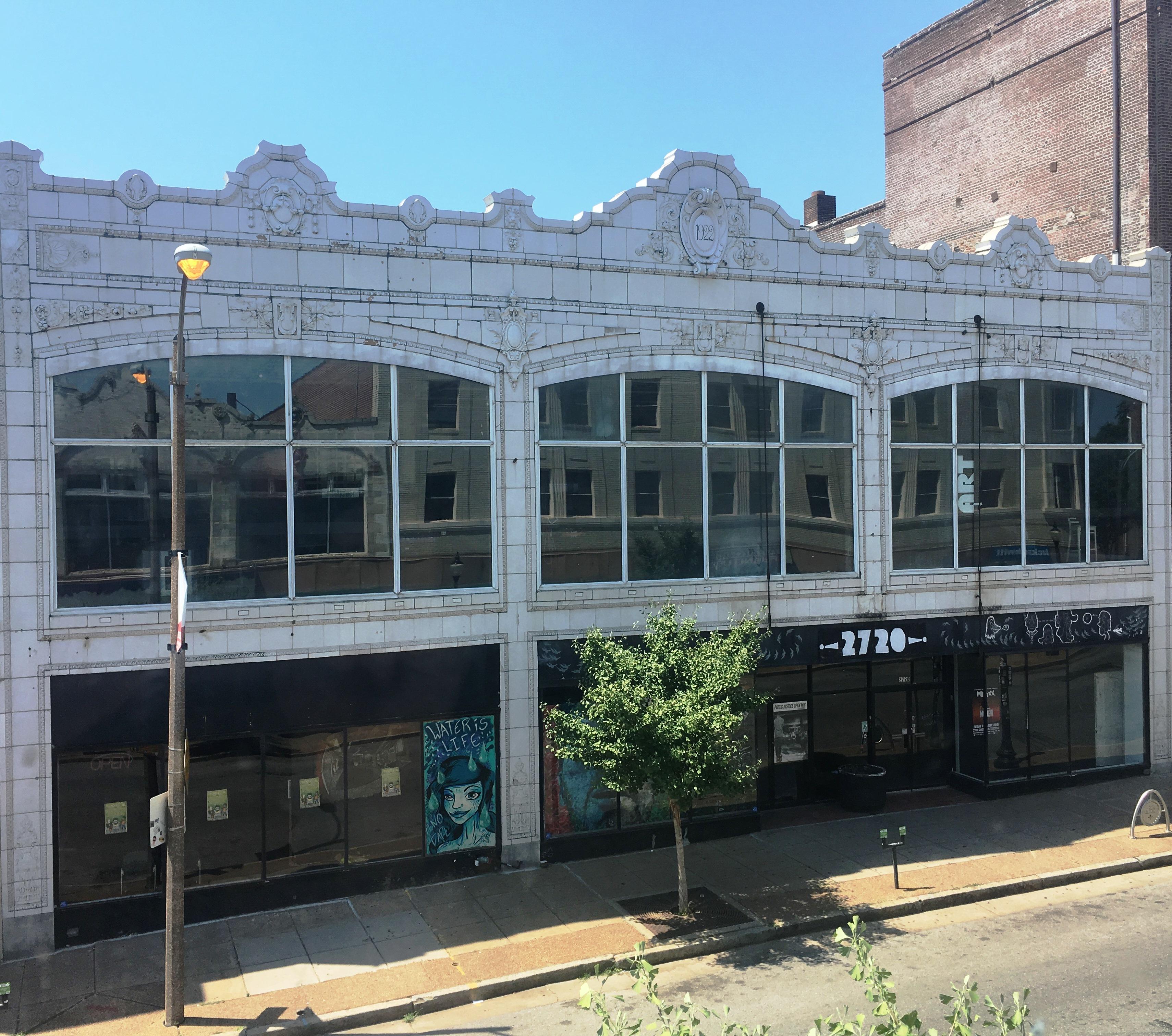 2720 Cherokee Front of Building