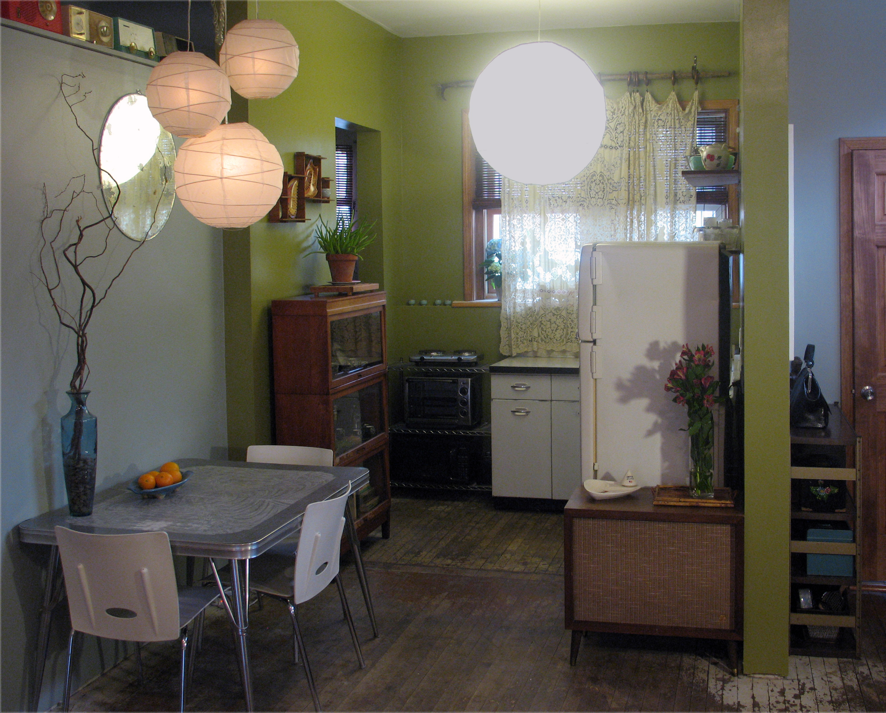 4-12-2009-009-Dining-Room-Kitchen