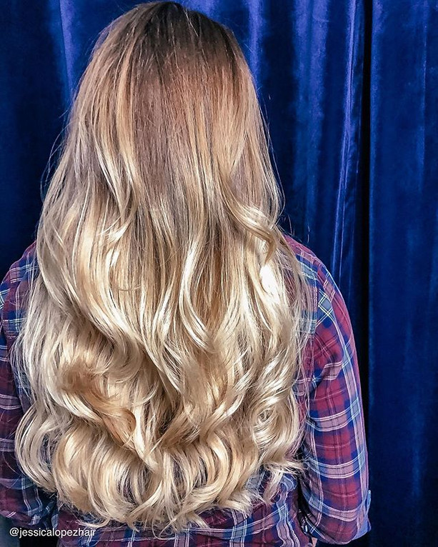 🍁falling for fall..._#balayage _#longla