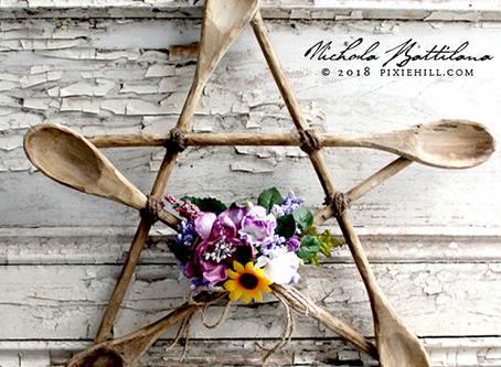 Let's Get Crafty: The Pentical Wreath