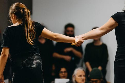 Performance de Marilou Desbiens en collaboration avec Odile Tremblay.