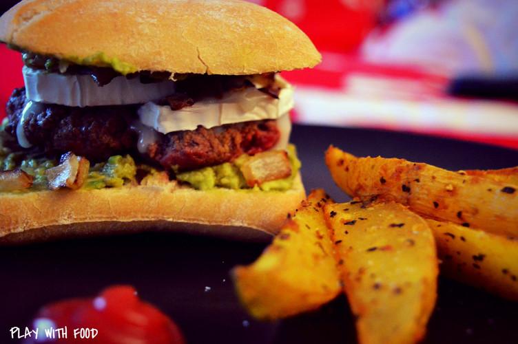 Burger Guacamole-Chèvre / Potatoes Maison