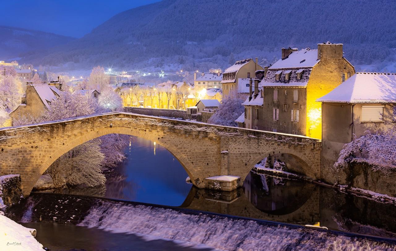 Pont Notre-Dame sous la neige