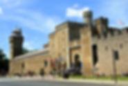 1200px-Cardiff_Castle_-_panoramio_(1).jp