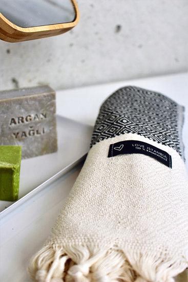 Tuch für Gästebad modern Karomuster dünnes kleines Handtuch