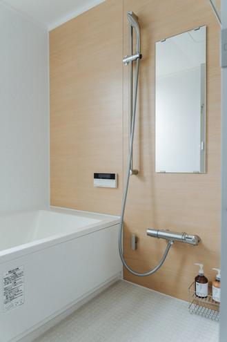 bath_room.jpg