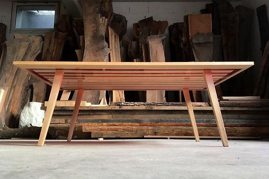 Table basse bois massif et résine epoxy