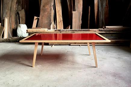 Table bois massif et résine epoxy