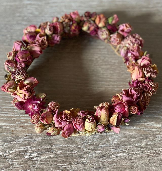 Rosebud wreath £15