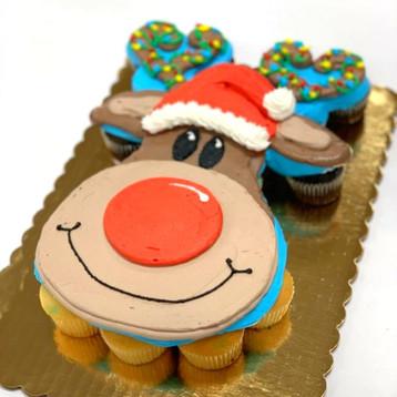 Reindeer Cupcake Pull-Apart Cake