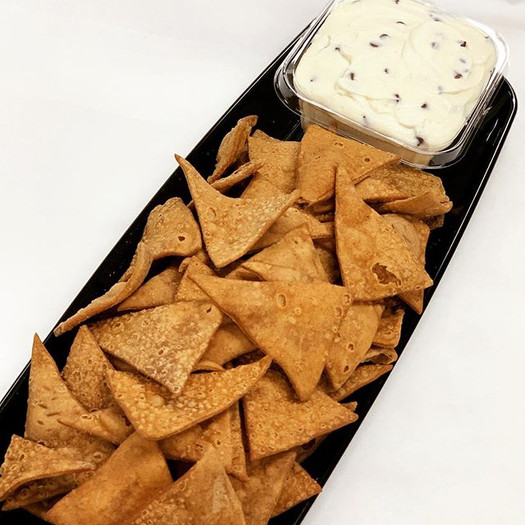 Cannoli Chips and Dip