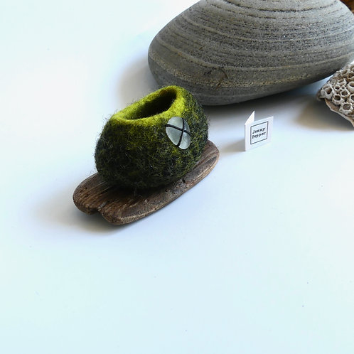 Miniature Black Grey and Lime PebblePot on Driftwood