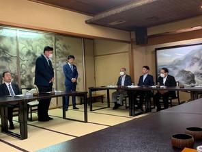 平沢勝栄復興大臣をお招きし、大臣就任をお祝い
