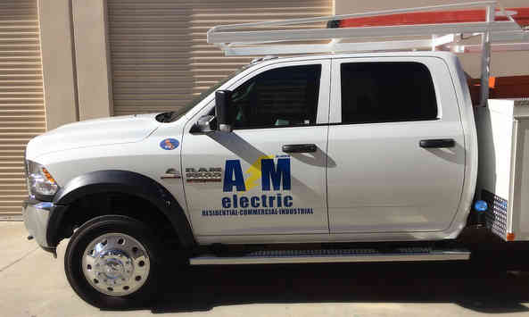 Electrician's truck - Vehicle lettering