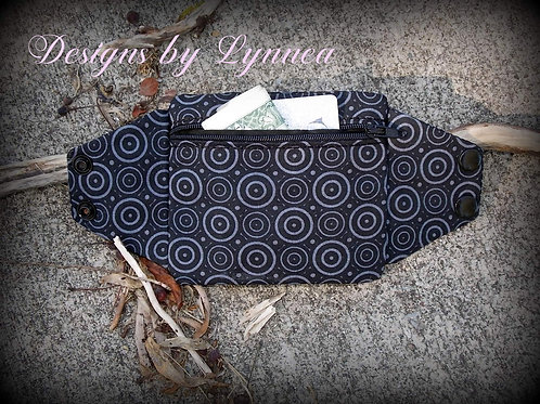 Wristlet Pack - Black and Gray Circles