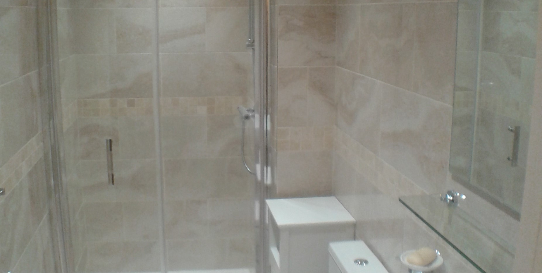 Shower room Apartment 2 (a)